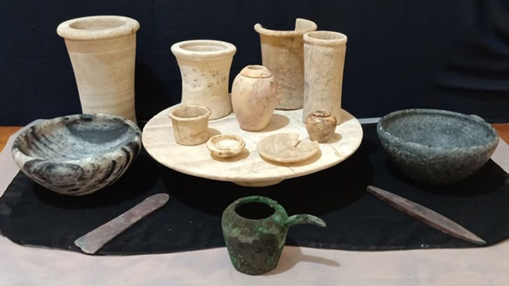 Remains of a pottery workshop from the Greco-Roman period discovered in Beheira governorate, Egypt. (Egyptian Ministry of Tourism and Antiquities/Zenger)