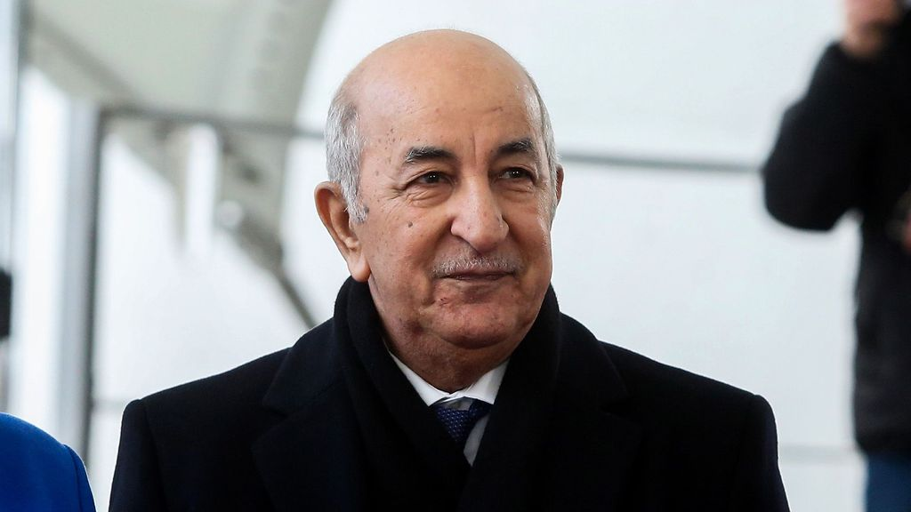 Algerian President Abdelmadjid Tebboune on Wednesday announced a three-day mourning for the people who lost their lives in the wildfires that keep raging across the country. (Adam Berry/Getty Images)